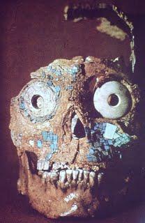 maya-maschera-su-teschio-umano